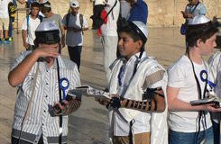 Опубликован свежий фотоотчет — БАР-МИЦВА в Иерусалиме